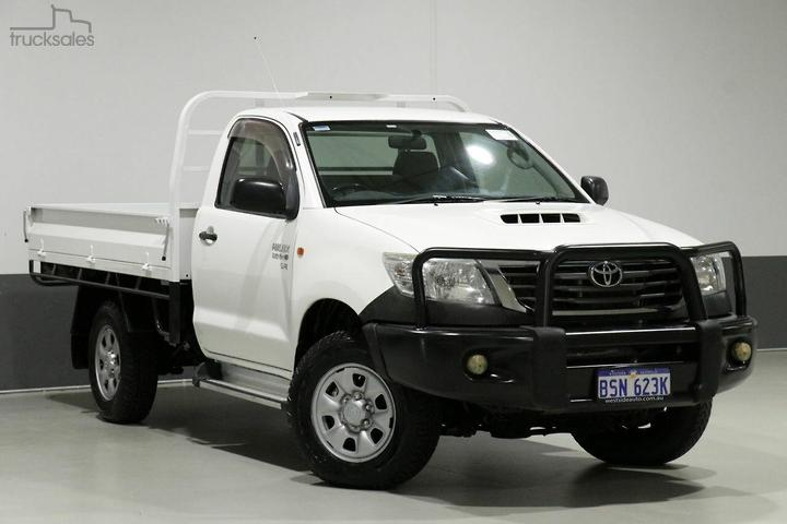Toyota Hilux Cab Chassis Cars Tradies 4x4 Drive Type