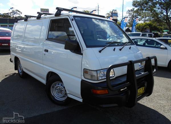 e79d72a61c Mitsubishi Express Utes and 4WDs Trucks Rear Wheel Drive Drive Type ...