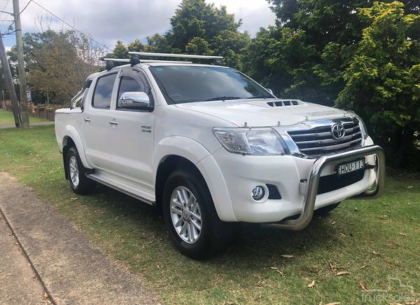 b999f13278d381 2014 Toyota Hilux SR5 Auto 4x4 MY14 Double Cab. Private Seller NSW