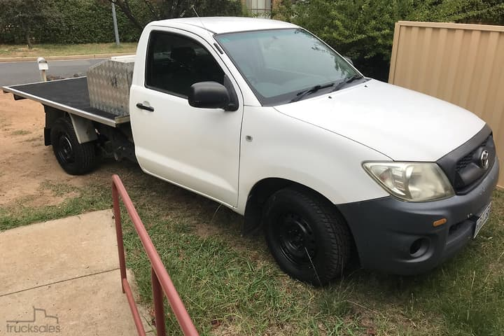 Trucks Rear Wheel Drive Drive Type for Sale in ACT