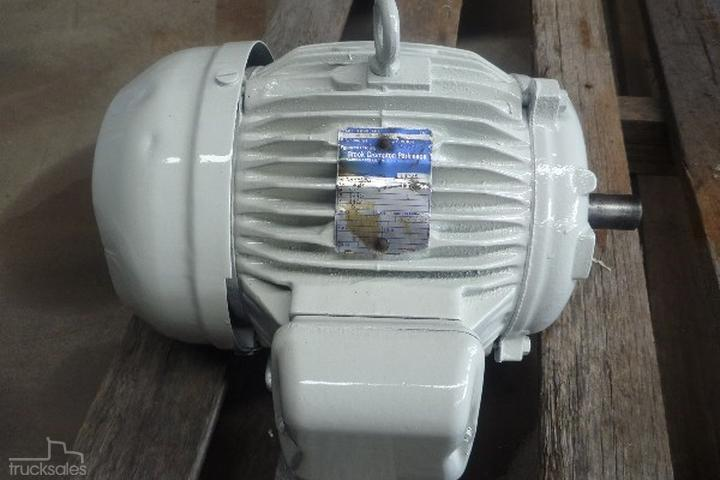 BROOK 5 5HP 3 PHASE ELECTRIC MOTOR/ 1440 RPM Trucks for Sale