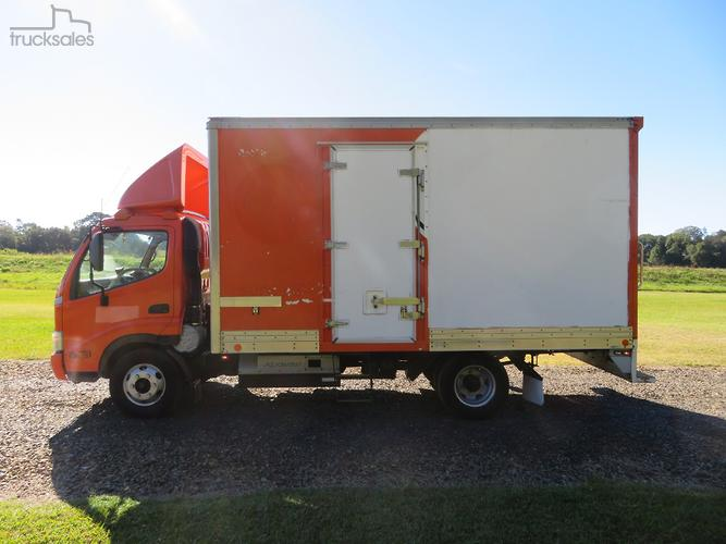Hino 300 Series 716 PANTECH BODY 6,500KG GVM Trucks for Sale in