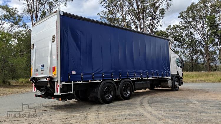 Scania P410 6x4