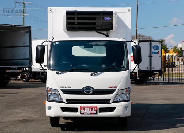 ffc67525ea 2018 Hino 616 Scully RSV 2 Ton 3 Pallet Thermo Transit Auto Freezer