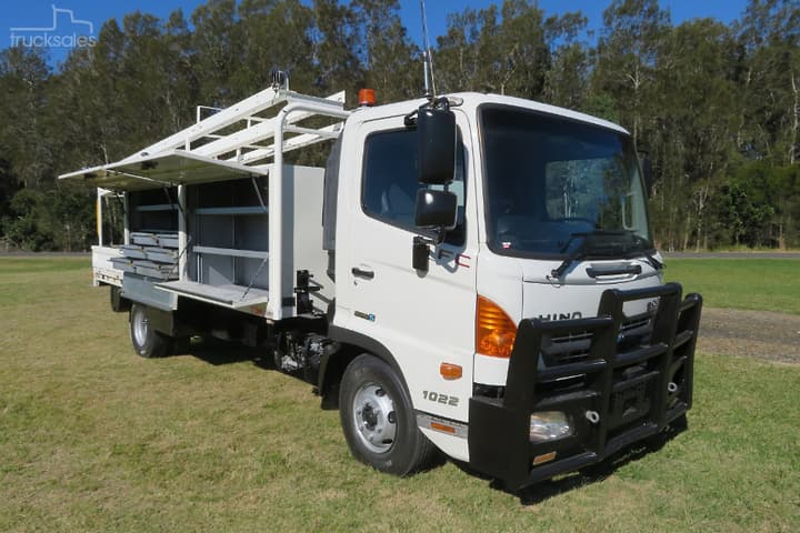 Hino Service Vehicle Trucks 4x2 Drive Type For Sale In