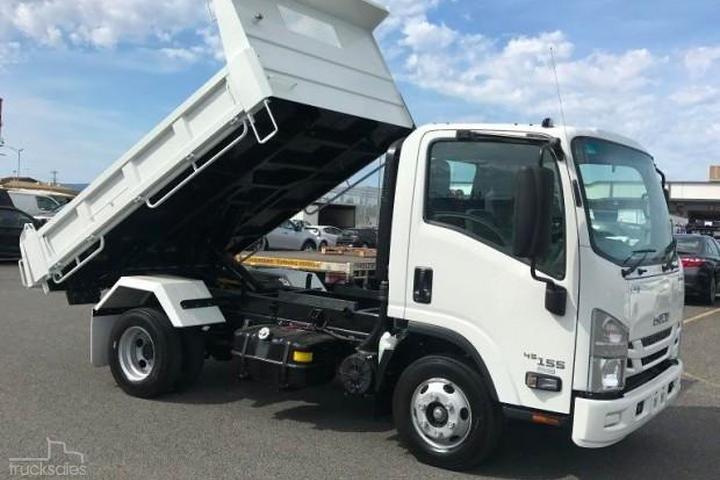 Isuzu NPR 45/55 155 SWB MANUAL TIPPER Trucks for Sale in