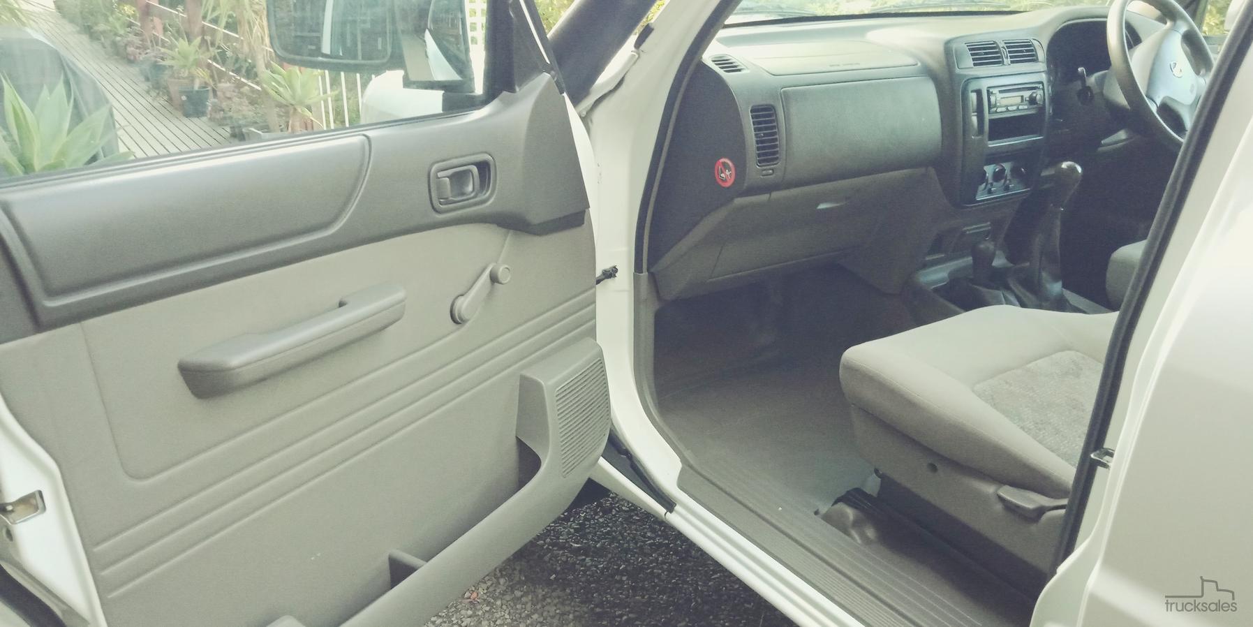 2010 Nissan Patrol Dx Gu 6 Manual 4x4 My10 Fuse Box