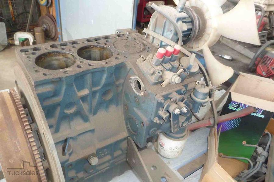 DISMANTLING KUBOTA D1105 DIESEL ENGINES ENGINES D1105-OAG-AD